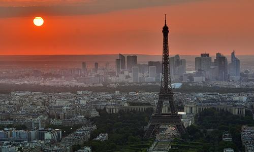 Paris Sensiz Olmuyor