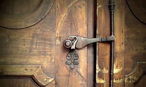 Kapıyı Örtün Cereyan Yapıyor